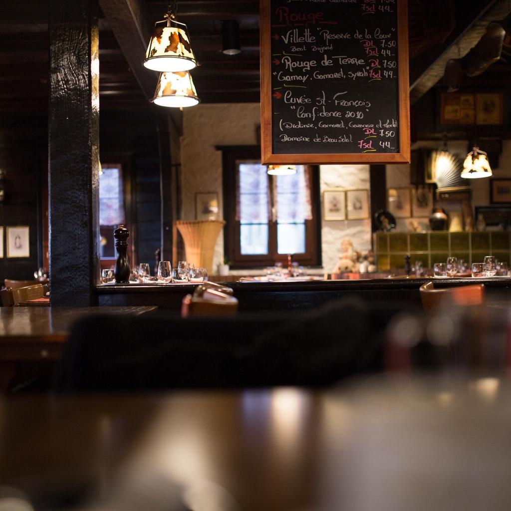 Royal Oak internal bar